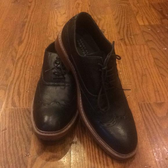 c084b00f922 ... Perry Ellis Oxford Shoes. M 5b85b53f10fc547829b2ffb6